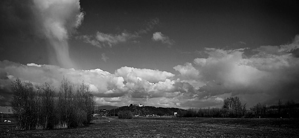 Wolkenstimmung über dem Bogenberg