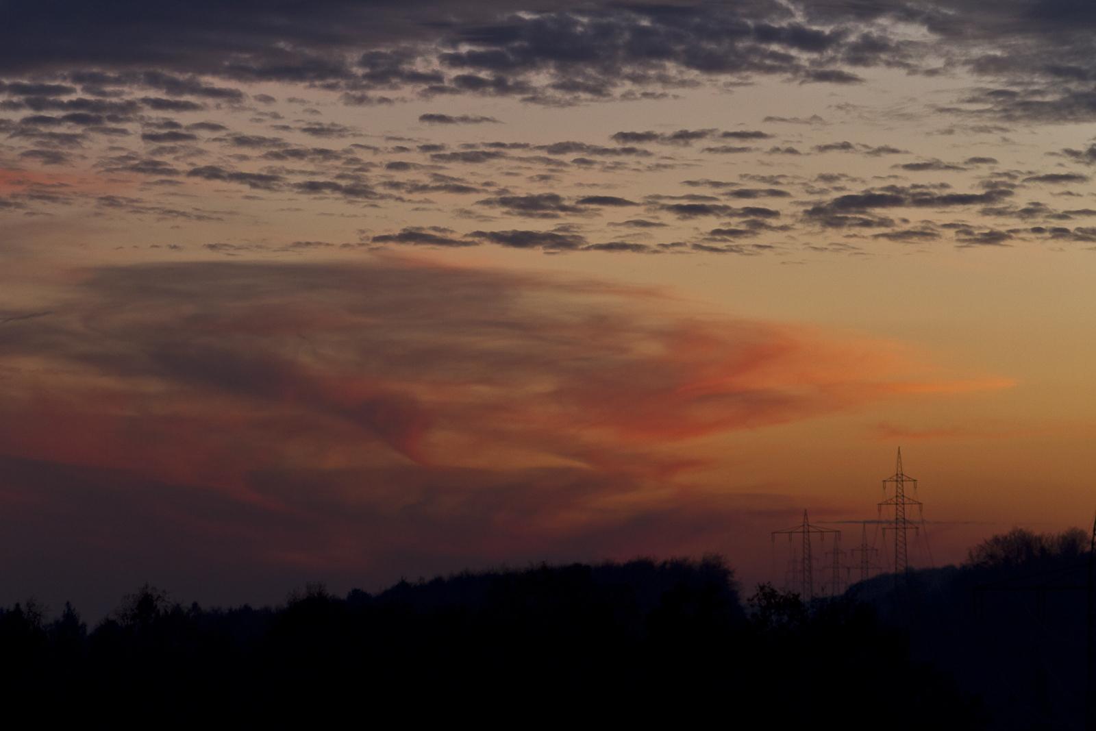 Wolkenwirbel nach Sonnenuntergang