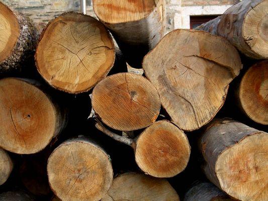 Wood deco.