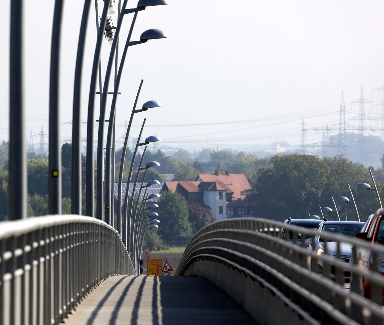 Worms - Neue Rheinbrücke auf dem Weg nach Hessen