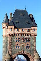 Worms - Neue Rheinbrücke und Stadttor (III)