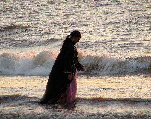 Worshipping the sun in the Arabian Sea