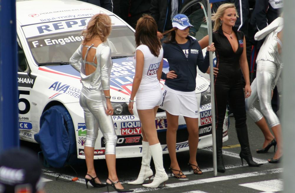 WTCC Gridgirls
