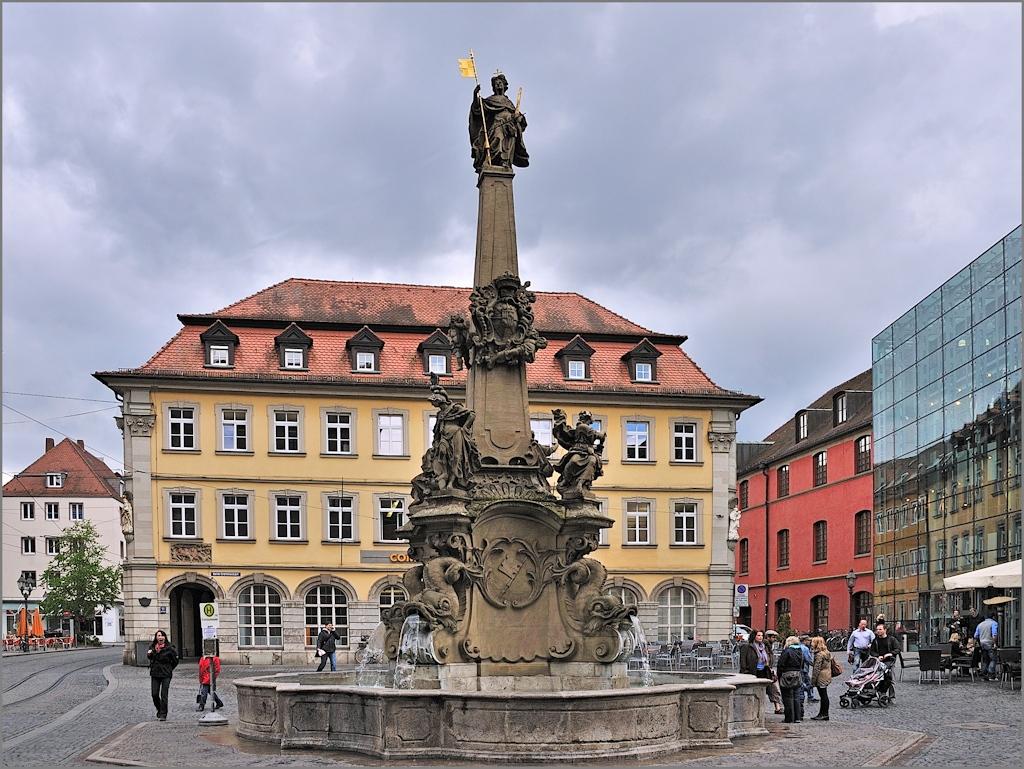 Würzburg - Am Vierröhrenbrunnen