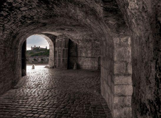 Würzburg - Blick auf die Festung Marienberg