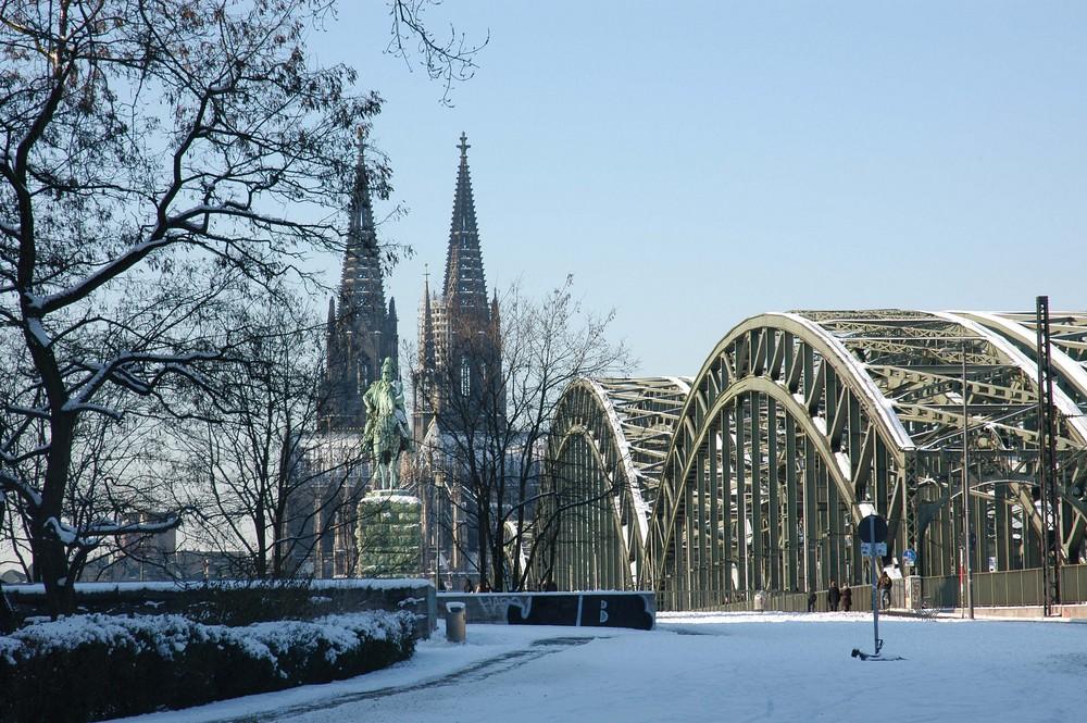 Wunder in Köln! Schnee!!!