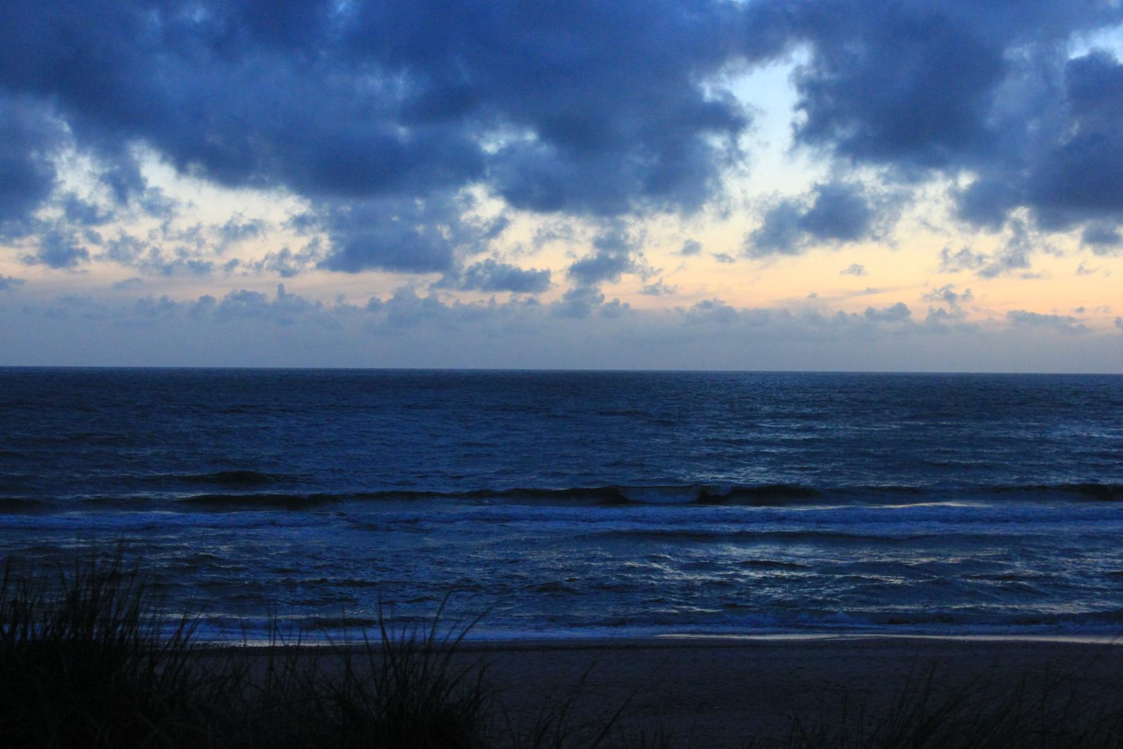 Wunderschöner Himmel am Strand
