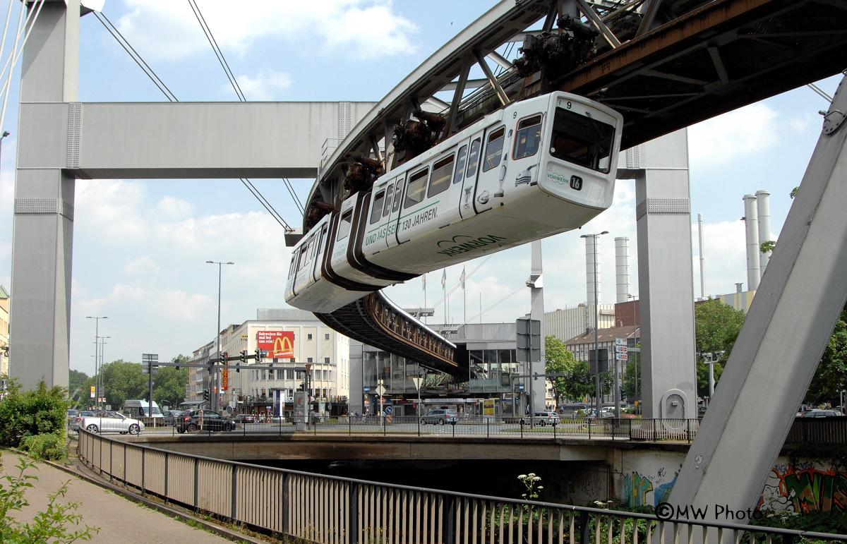 Wuppertaler-Schwebebahn...