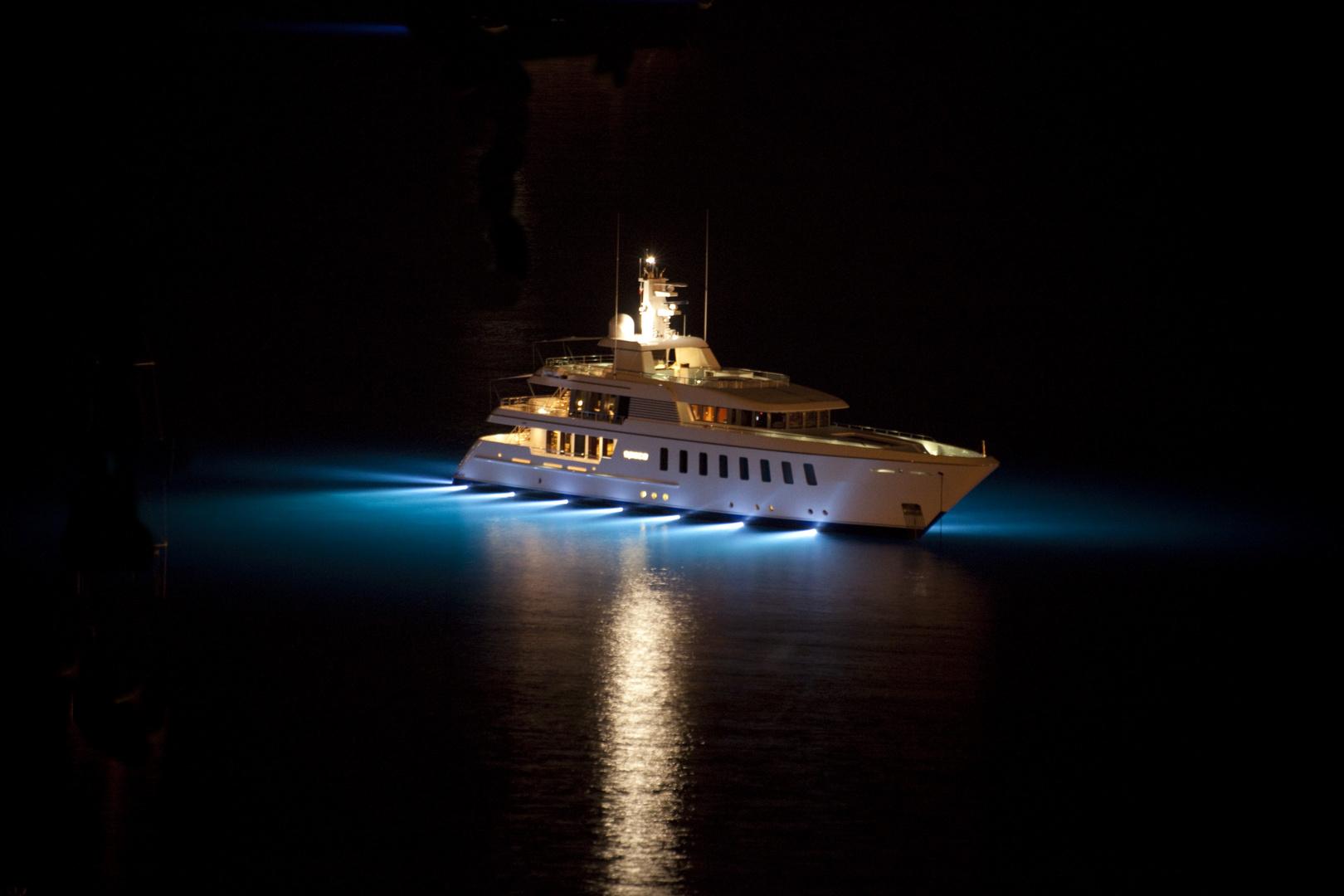 yacht de nuit (baie de villefranche)
