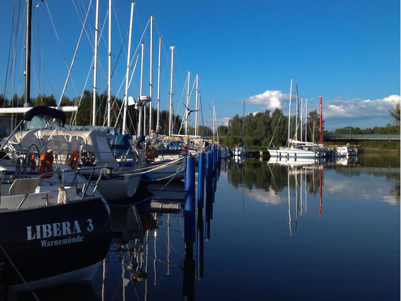 Yachthafen am Morgen