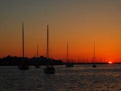 Yachthafen im Sonnenuntergang