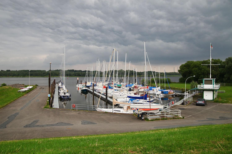 Yachthafen Neuenschleuse