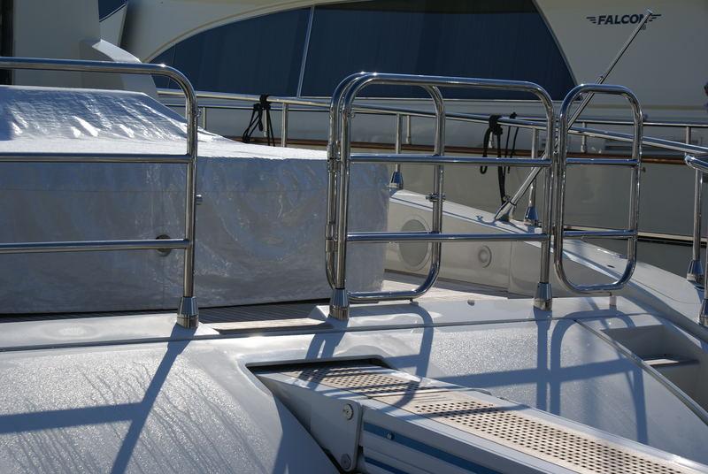 Yachts au port de Golfe-juan