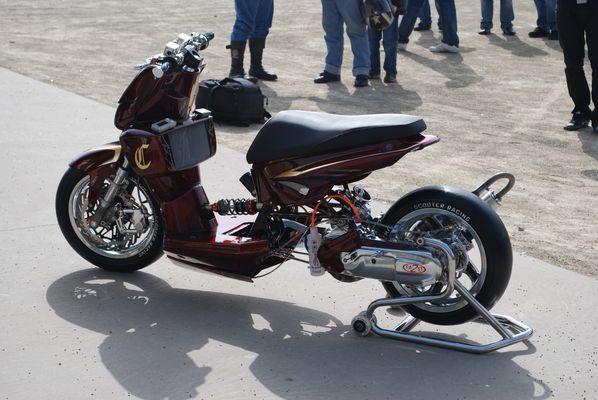 Yamaha Aerox Customer-Roller