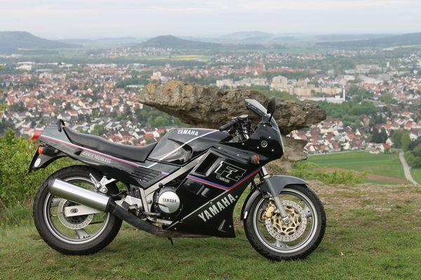 Yamaha FZ 750 Ausflug zum Wolfstein