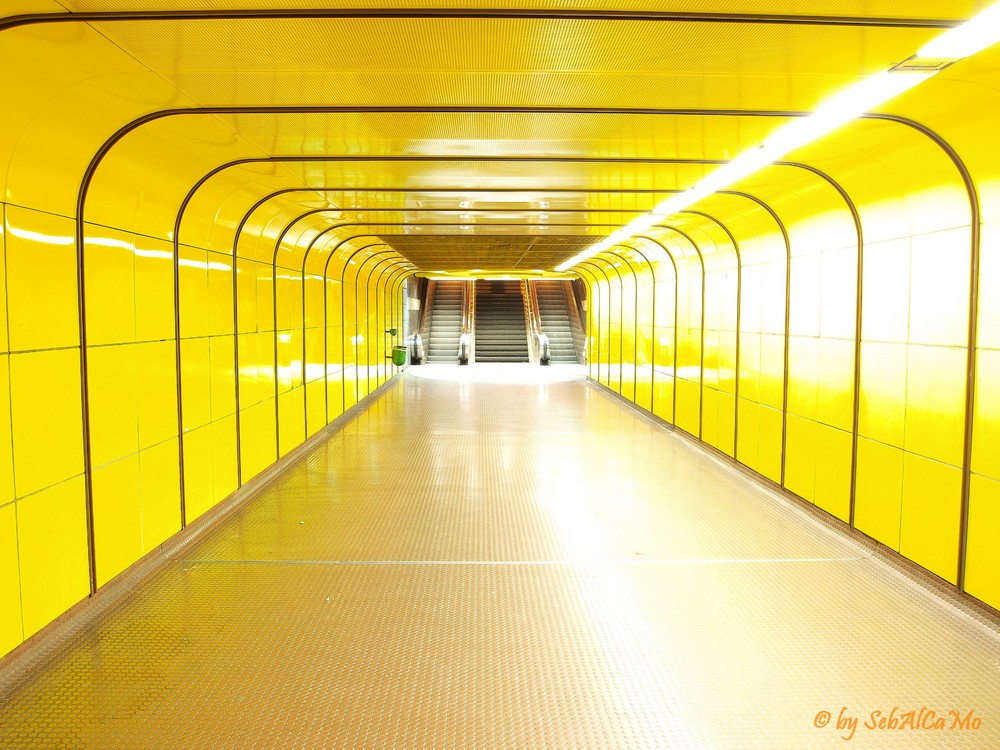 yellow sub heussallee