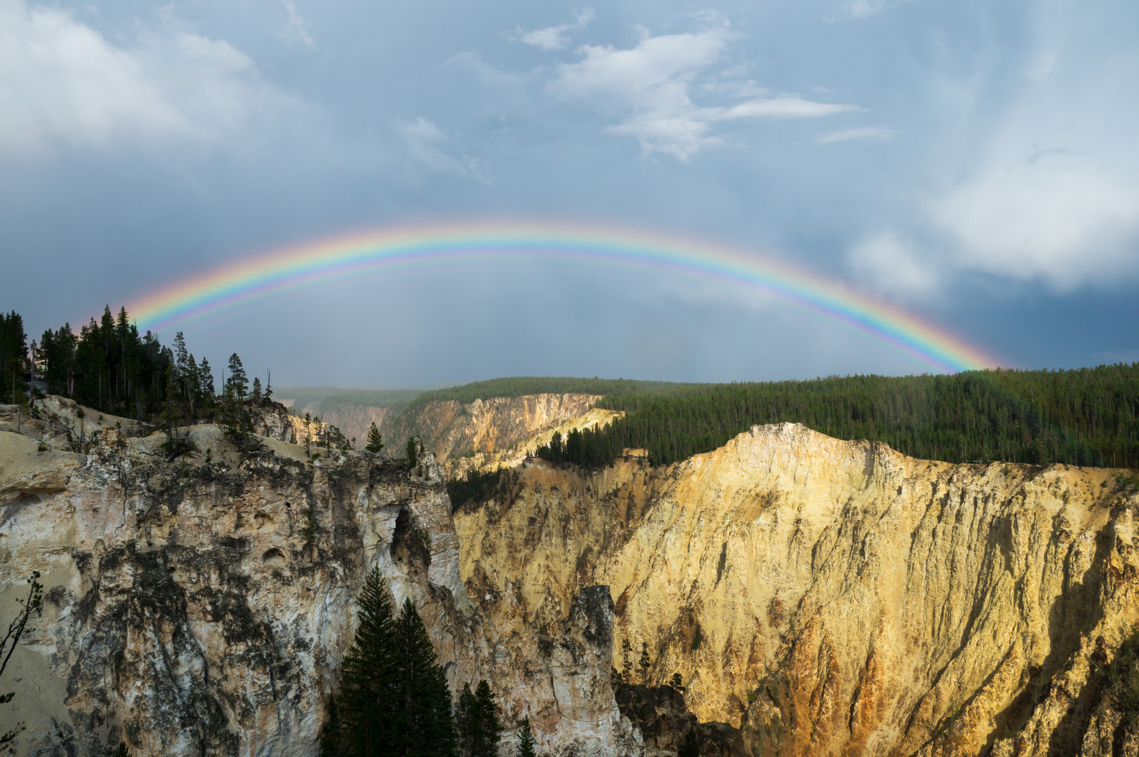 Yellowstone Canyon Dome