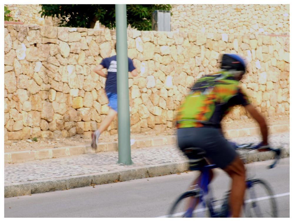Yo a bicicleta, tu a pie
