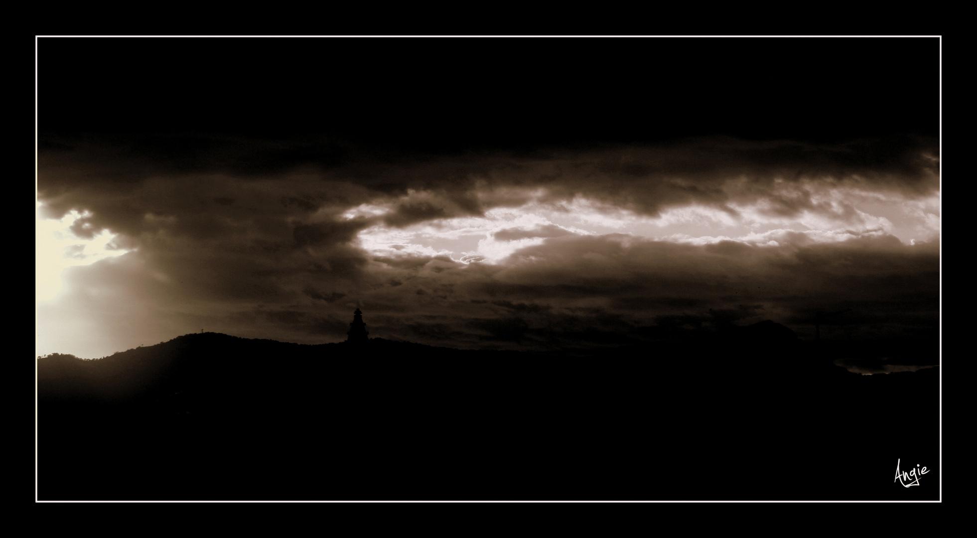 Y..................siguen las nubres negras....................