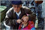 Zahnarzt auf dem Markt