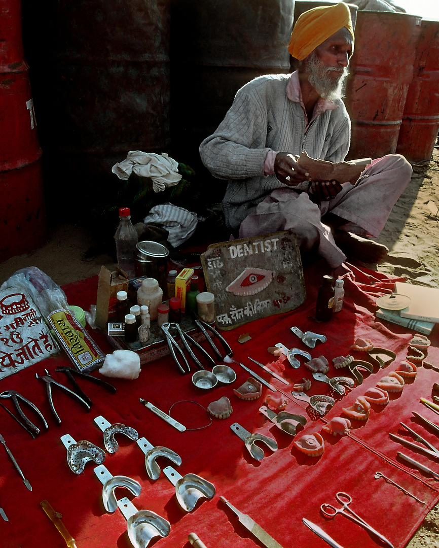 Zahnarzt in Pushkar