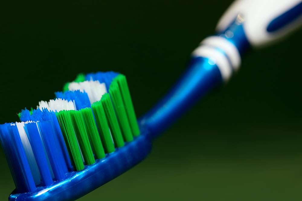 Zahnbürste (1)