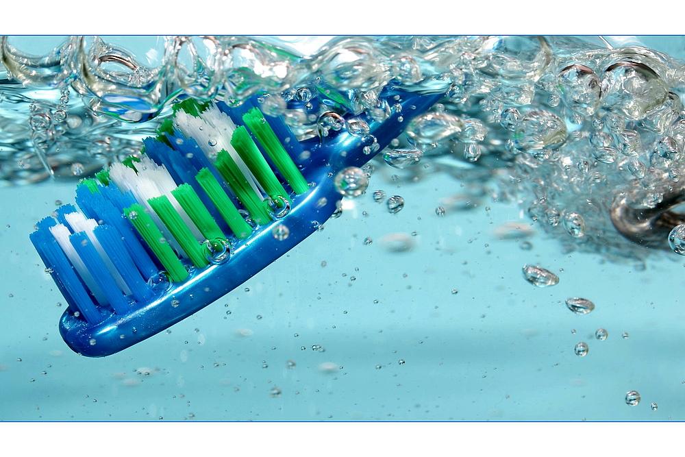 Zahnbürste (3)