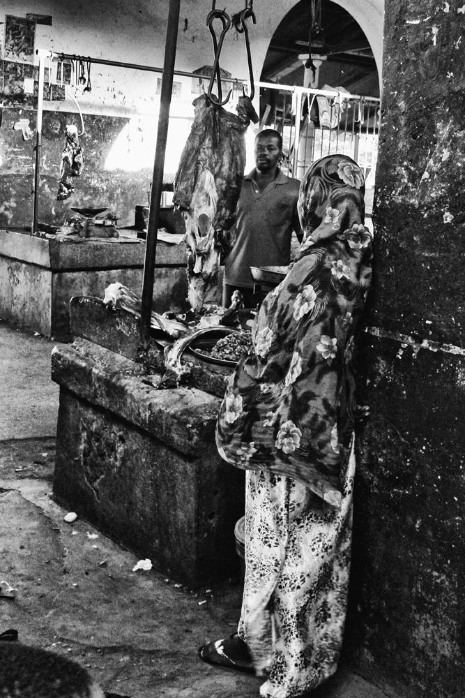 Zanzibár in BW_8.: At the butcher's