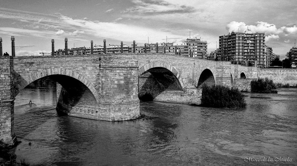 ...Zaragoza y el Ebro...