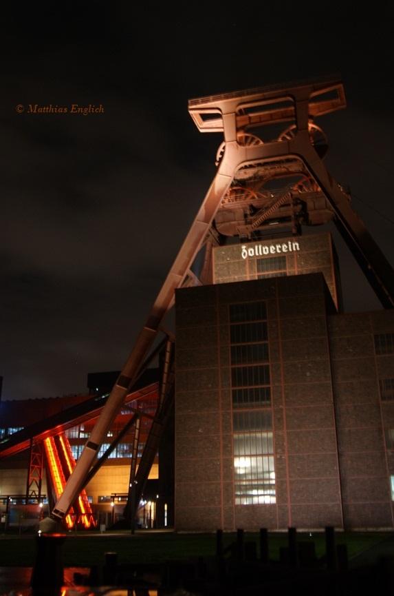 Zeche Zollverein bei Nacht