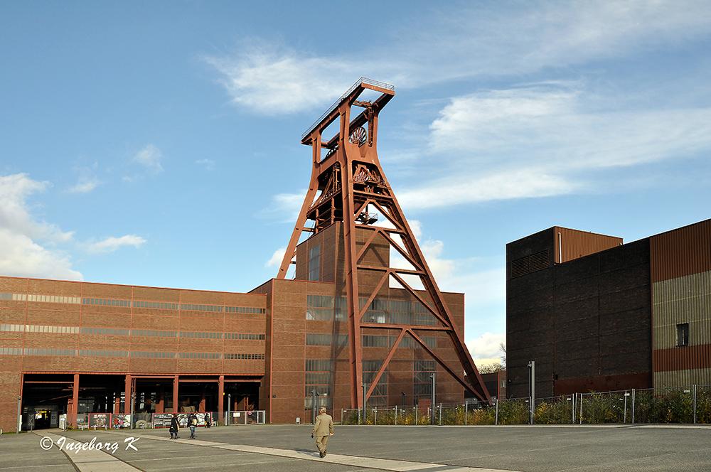 Zeche Zollverein - Förderturm -