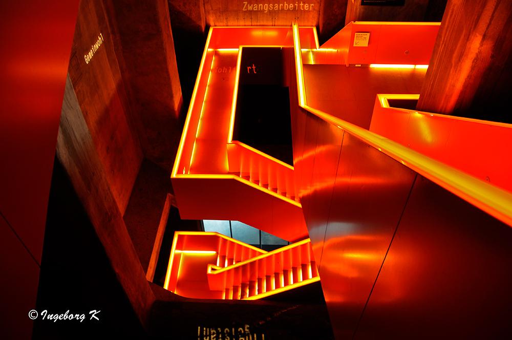 Zeche Zollverrein - Kohlenwäsche - Treppe zu den Ausstellungsräumen