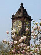 Zeigt im Frühling eine Uhr zwei Zeiten an?