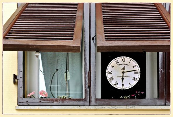 < Zeit~Fenster >
