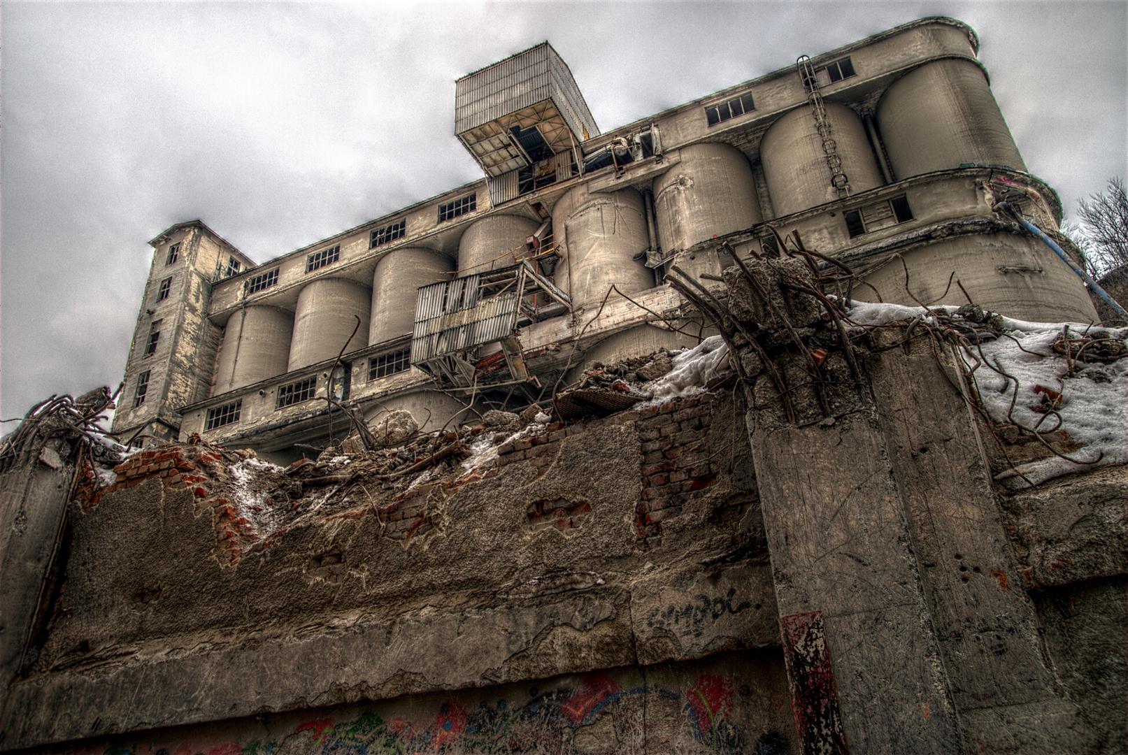 Zementfabrik.
