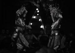 Zereo Dhyani ~ Kecak