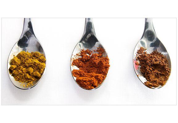 - Zimt, Paprika und Curry -