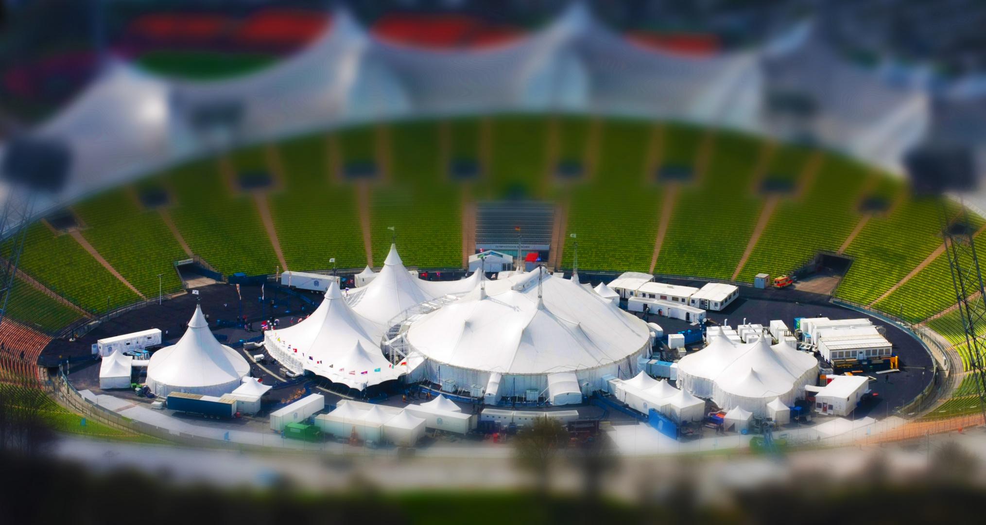 zirkus im olympiastadion tilt shift fake