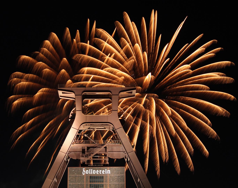 Zollverein - Light Up!