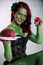 > zombie pin-up <