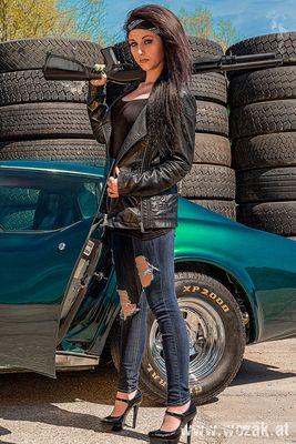 Zombiehuntershooting - Manja und die Corvette - Bild 1