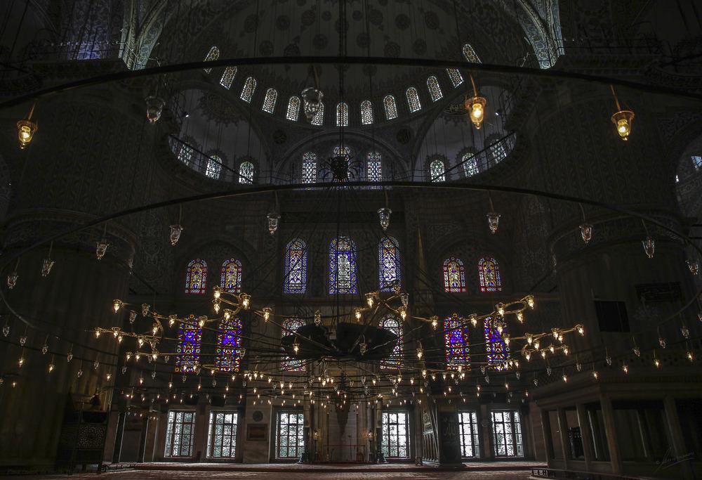 Zona central de oración Mezquita Azul (Estambul Turquia)