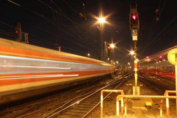 Züge der Bahn kommen und gehen....