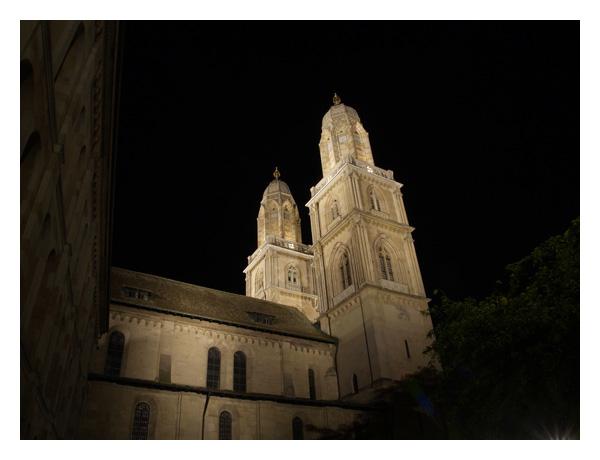 Zürich bei Nacht :: Kathedrale im Niederdorf