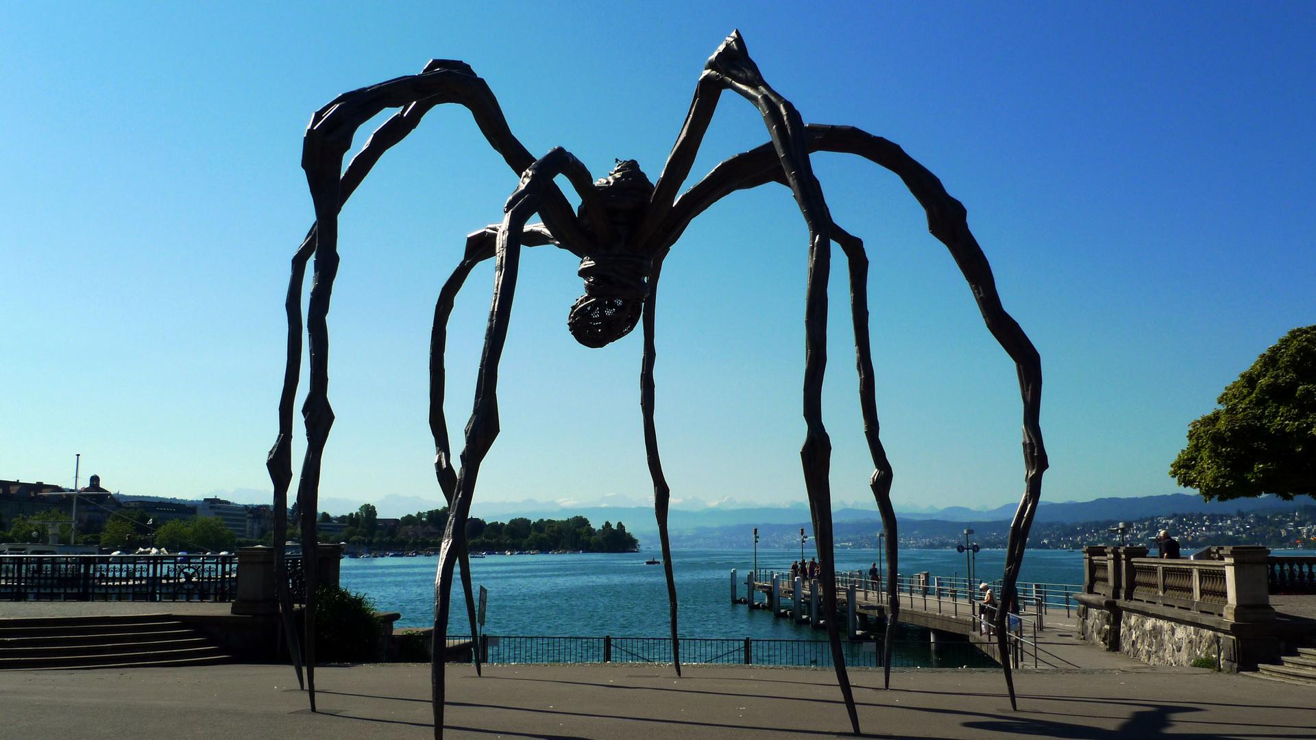 Z rich die spinne mit blick auf see skulptur von louise bourgeois foto bild - Bourgeois foto ...