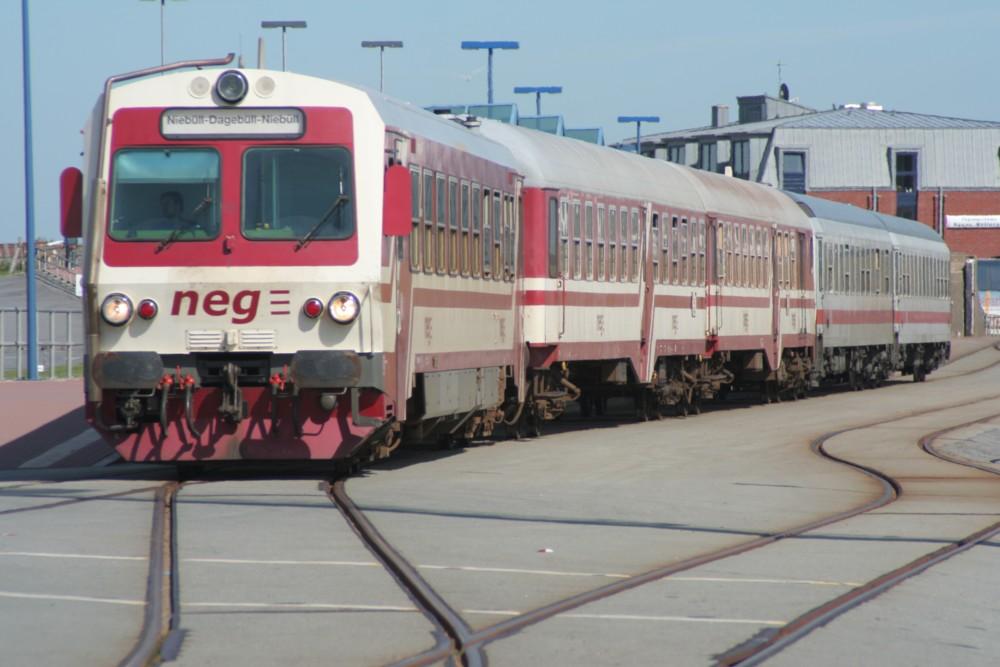 Zug am Hafen in Dagebüll