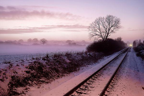 Zug durch die Abendlandschaft