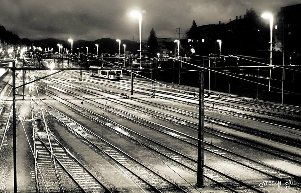 Zug in Schwarz/Weiss