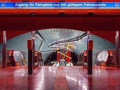 """""""Zugang für Fahrgäste nur mit gültigem Fahrausweis"""" - Lohring"""