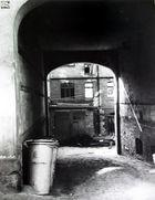 Zugang zu einem Hinterhof